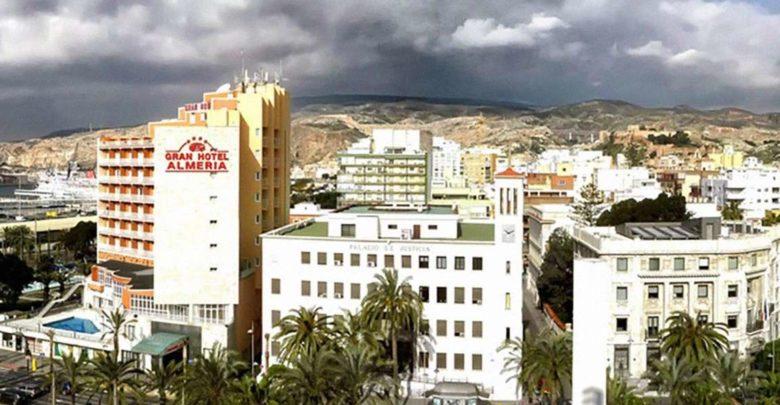Foto panorámica de los hoteles de Almería capital.