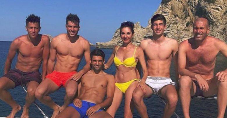 La familia Zidane, en una de sus visitas a la provincia. Famosos que veranean en Almería.