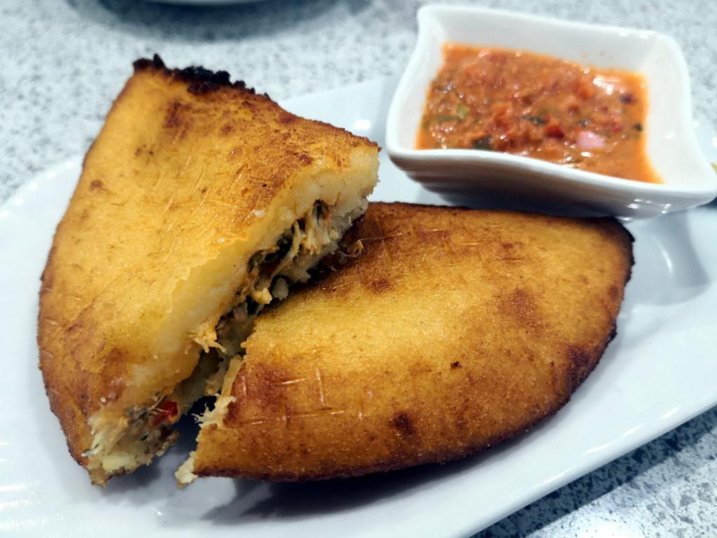 Empanada latina - Bar Tapalmeria