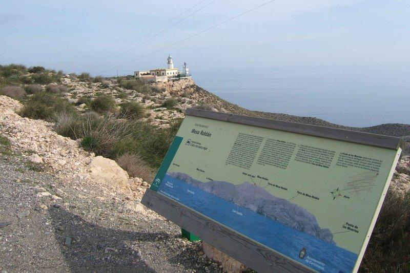 Faro de Mesa Roldán, en Almería