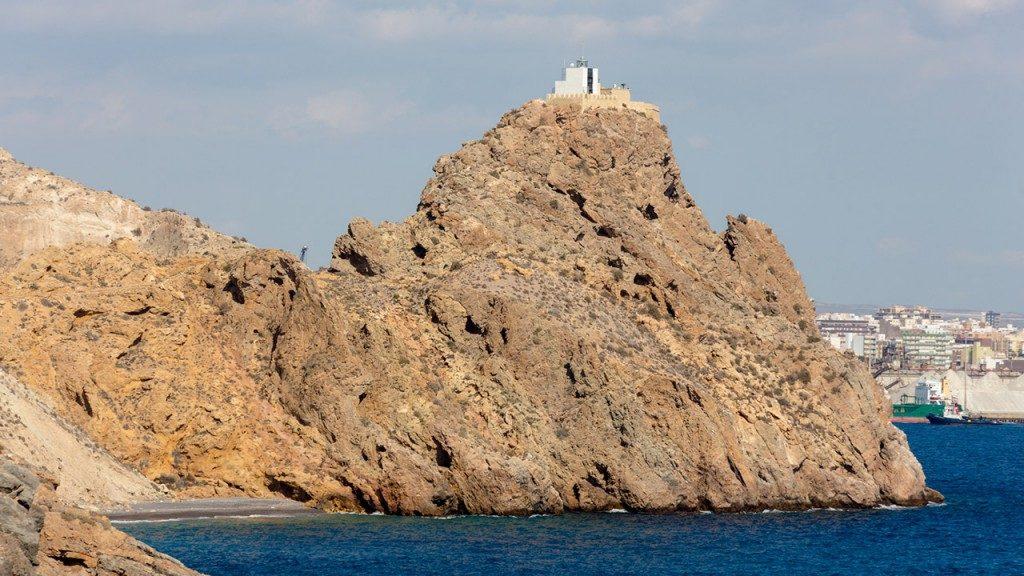 Faro de San Telmo en Almería.