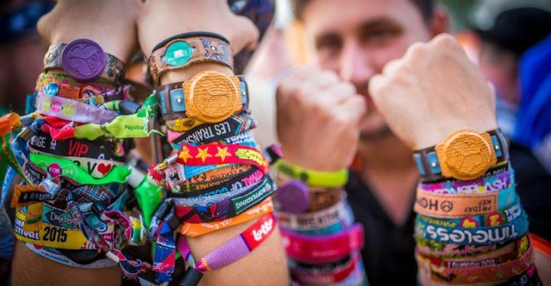 información para 3f22b 54876 Festival de pulseras en tu brazo: qué pasa en tu piel ...
