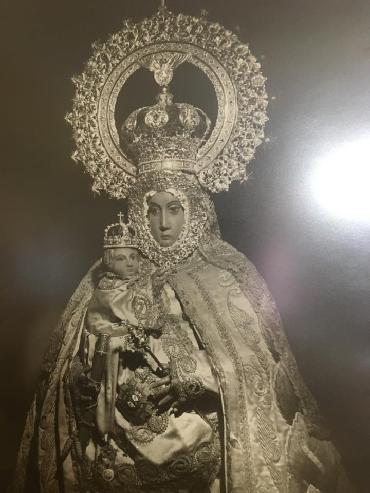 Virgen del Mar con manto seda