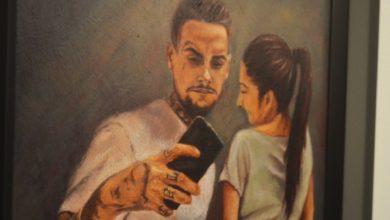Photo of 'Est@_soy_yo': selfies convertidos en arte pictórico para reflexionar